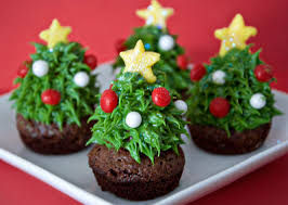 Strawberry Christmas Tree Brownie Bites: